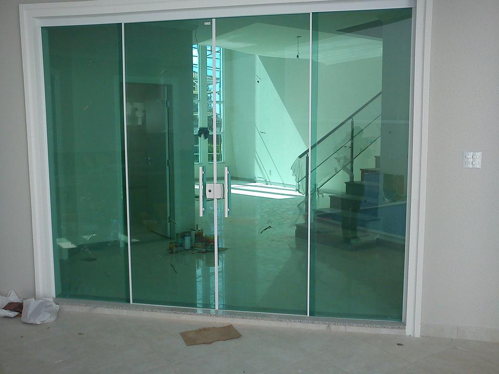 Portas jp vidros temperados for Porta 4 folhas de vidro temperado